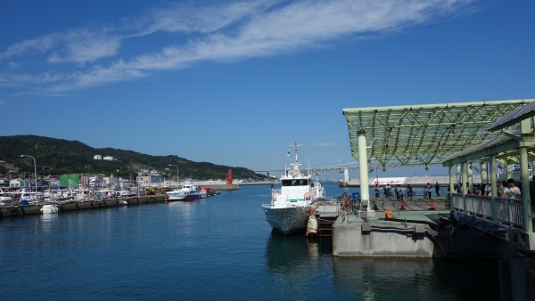 岩屋港(淡路島)に到着。超快晴でキモチイイ!