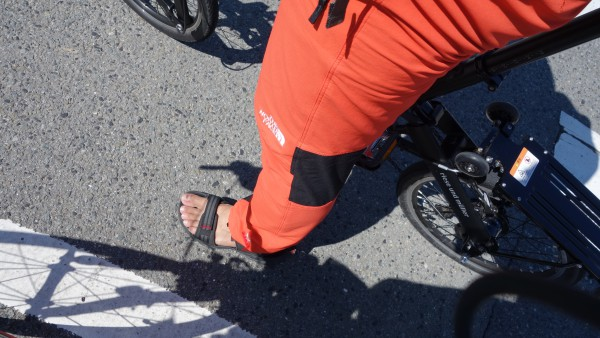 サンダルを履いてのサイクリング。友人には「こち亀の両さんやな」と言われました(^_^)v
