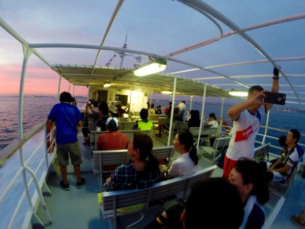 40分乗船が遅れたおかげできれいな夕焼けが見れました。