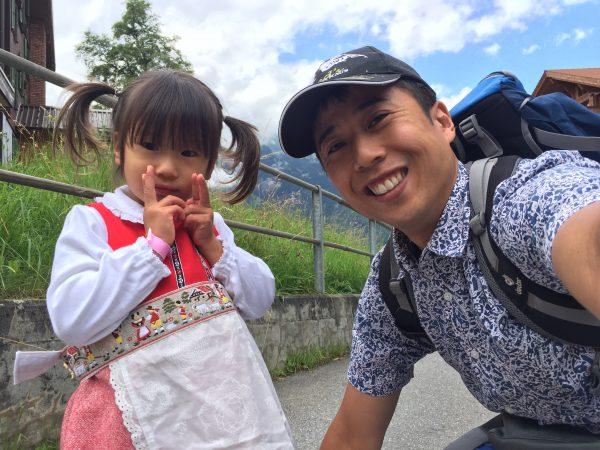 今日はスイスの建国記念日ということで娘は【アルプスの少女ハイジ】に変身!