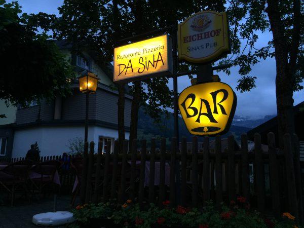 建国記念日はお外でディナーを。Wengen村でも美味しいと評判のレストランです!